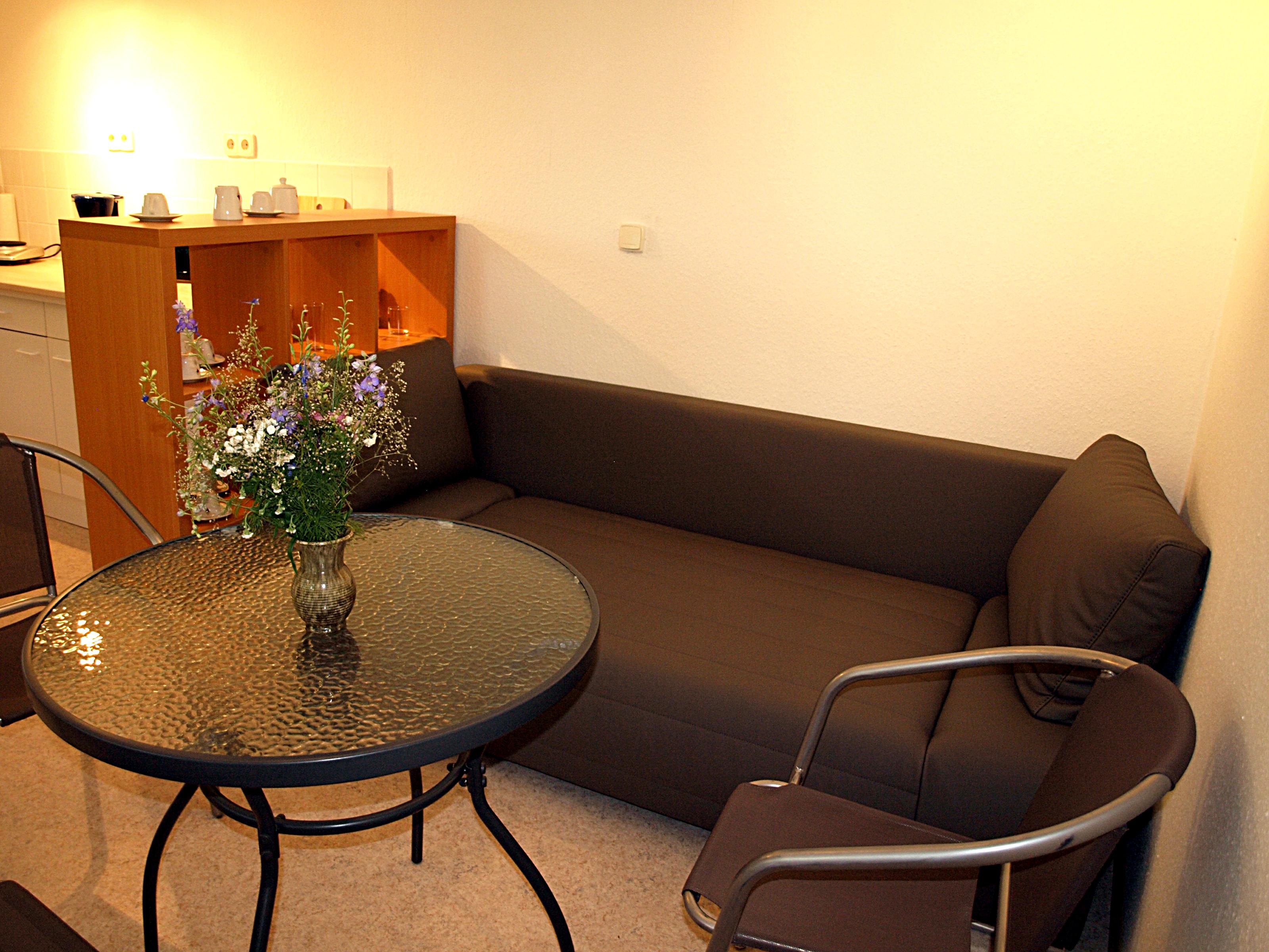 Kleiner Kühlschrank Terrasse : Type e u hotelstudio mit terrasse balkon studios hotel in den